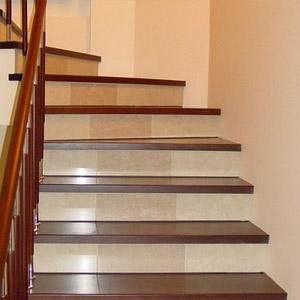 Деревянная отделка для лестниц из бетона