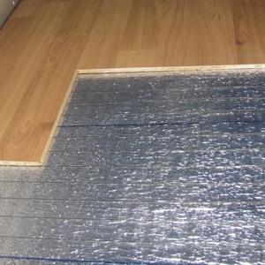 Укладка ИК пола под ламинат на пол из бетона