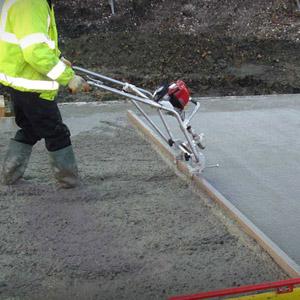 Что представляет собой вибрирующая рейка для укладки бетонной смеси