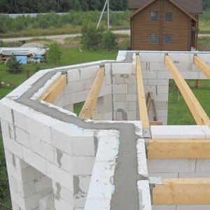Монтаж деревянных перекрытий в газобетонном доме