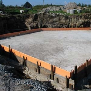 Строительство плитного монолитного фундамента - определение толщины