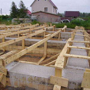 Глубина основы для двухэтажного дома из пенобетонных блоков