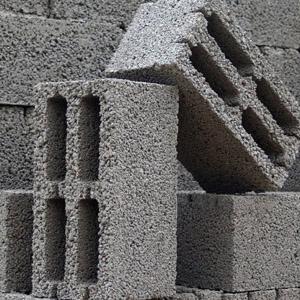 Изделия из керамзита размером 200х200х400 мм