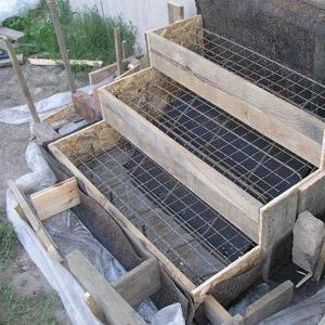 Как самостоятельно соорудить опалубку для бетонной лестницы