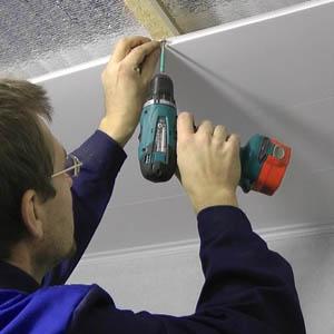 Как крепить гипсокартонные листы на потолок