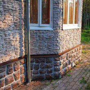 Особенности и фото цокольного сайдинга с имитацией камня, расценки