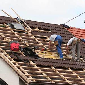 Реставрация крыши из металлочерепицы