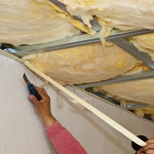 Инструкция по теплоизоляции потолка в доме с холодной кровлей