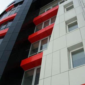 Устройство вентилируемых фасадов с облицовкой композитными панелями