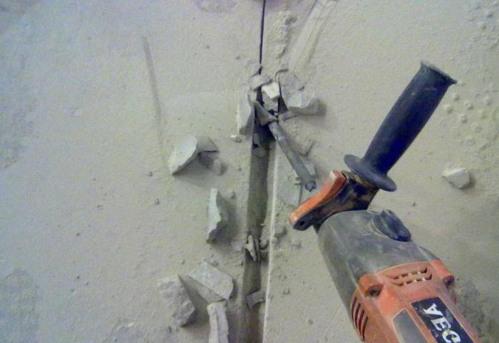 как штробить стену под проводку
