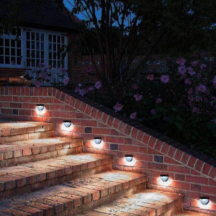 освещение ступенек к дому