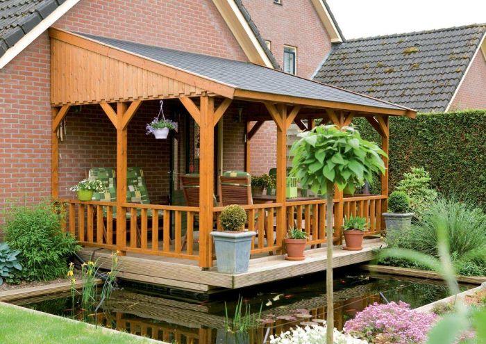 деревянная терраса с ограждением